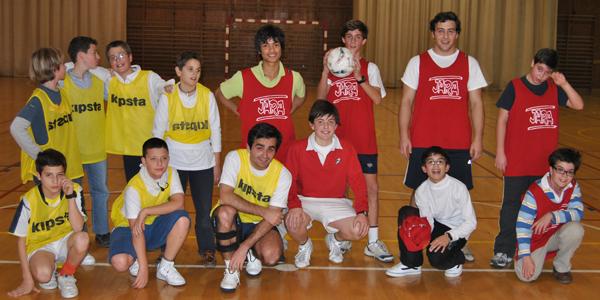 Fútbol 1º contra 2º de ESO
